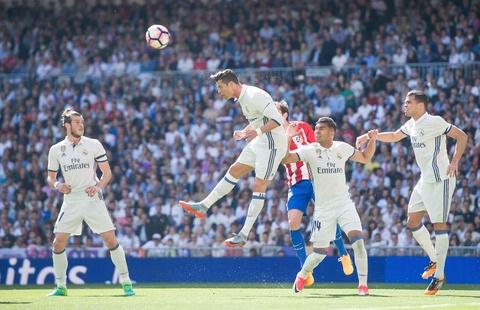 Ronaldo tiec nuoi vi ban thang bi can pha tren vach voi hinh anh 3