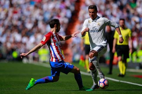 Ronaldo tiec nuoi vi ban thang bi can pha tren vach voi hinh anh 2