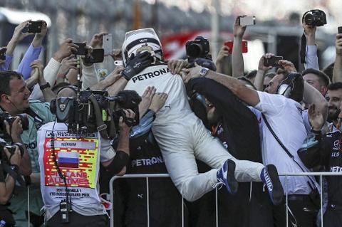 Vettel tuot danh hieu Russian GP vao tay cai ten bat ngo hinh anh 5