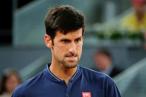 Murray bi loai, Djokovic va Nadal vao tu ket Madrid Open hinh anh