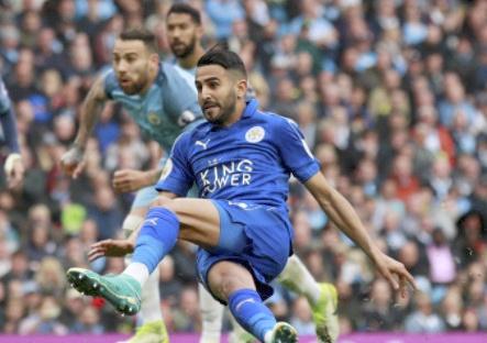 Man City vs Leicester (2-1): Mahrez bi tuoc ban thang phat den hinh anh