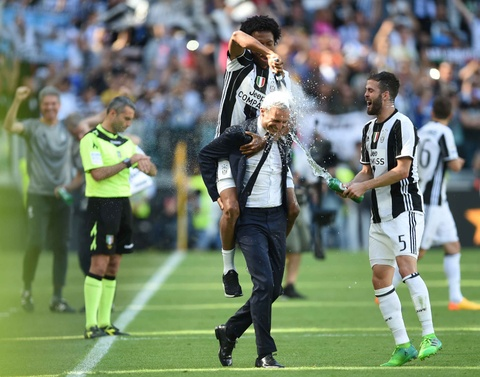 Juventus lap ky luc vo dich Serie A hinh anh 5