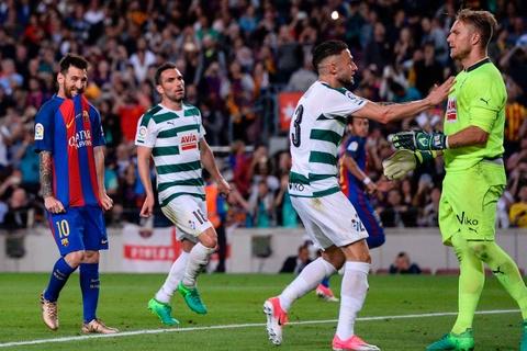 Messi buon rau trong ngay Real doat ngoi vuong La Liga hinh anh 6