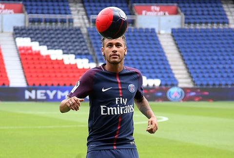 Man tang bong cua Neymar o le ra mat PSG hinh anh