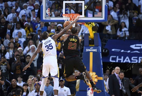 King James mo nhat, Cavaliers that bai truoc Warriors vang Curry hinh anh 5