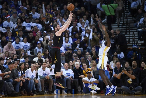 King James mo nhat, Cavaliers that bai truoc Warriors vang Curry hinh anh 8