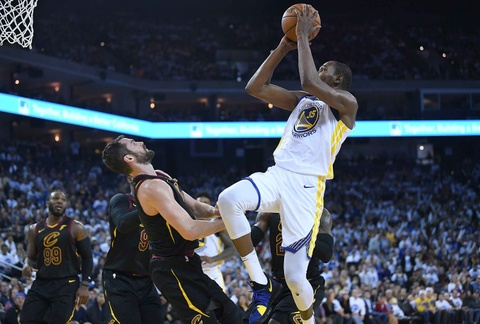 King James mo nhat, Cavaliers that bai truoc Warriors vang Curry hinh anh 9