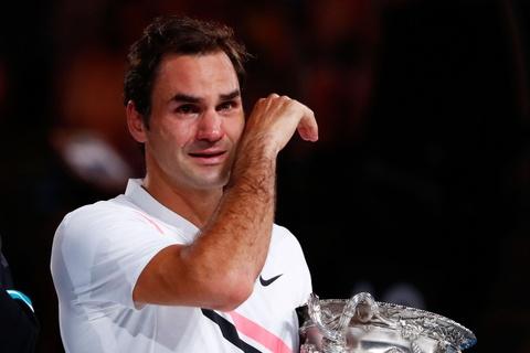 Federer dam nuoc mat tren buc nhan Grand Slam thu 20 hinh anh 4