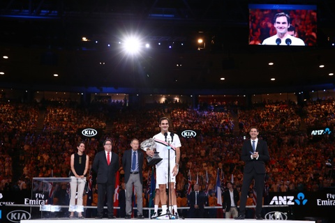 Federer dam nuoc mat tren buc nhan Grand Slam thu 20 hinh anh 7