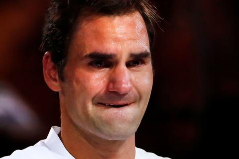 Federer dam nuoc mat tren buc nhan Grand Slam thu 20 hinh anh 5