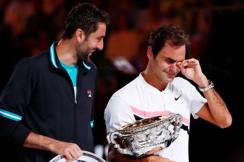 Federer dam nuoc mat tren buc nhan Grand Slam thu 20 hinh anh 6