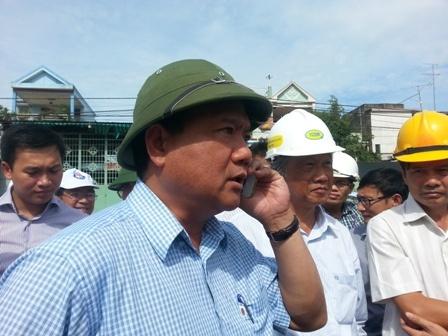 Vi sao Bo truong Thang cong khai so dien thoai? hinh anh