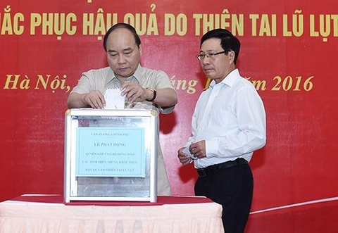 Thu tuong ung ho dong bao mien Trung hinh anh
