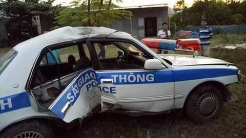 Hai CSGT Quang Ninh gap nan khi truy duoi xe ban tai chua ma tuy hinh anh