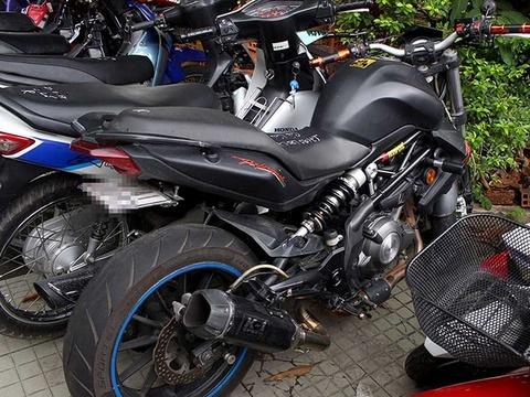 Moto khung vi pham, CSGT kho truy bat hinh anh