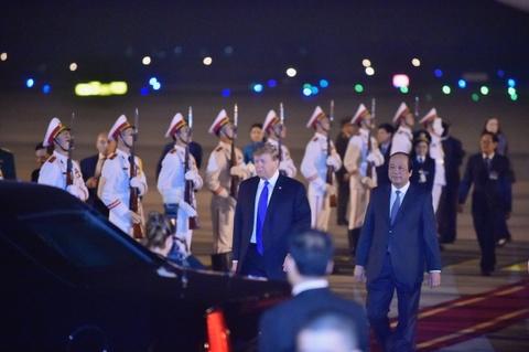 Khoanh khac dau tien cua Tong thong Trump tai Ha Noi hinh anh 10