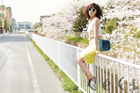HyunA (4minute) quyen ru giua sac hoa anh dao Nhat Ban hinh anh