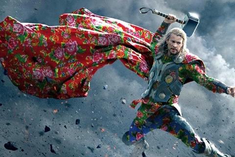 Biet doi Avengers duoc che mac 'chan con cong' hinh anh