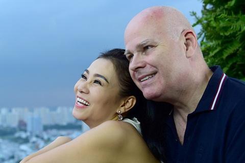 Chong Tay quay clip xuan cung Thu Minh hinh anh