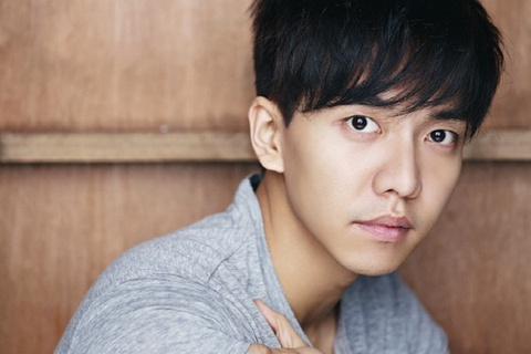 Lee Seung Gi lam linh dac nhiem hinh anh