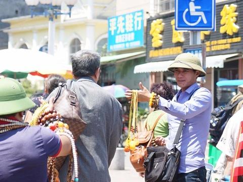 Nguoi Viet muu sinh o cua khau Trung Quoc hinh anh