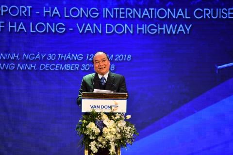Thu tuong: San bay Van Don xay nhanh, gia thanh thap, my thuat hinh anh