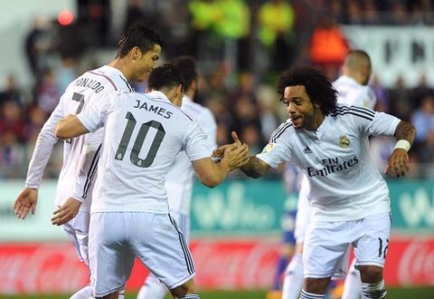 Ronaldo lap cong nhan doi cach biet cho Real Madrid hinh anh