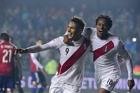 DT Peru gianh hang ba Copa Ameica khi thang Paraguay 2-0 hinh anh