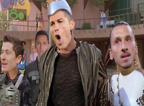 Video Ronado truy duoi Messi trong cuoc dua Qua bong vang hinh anh