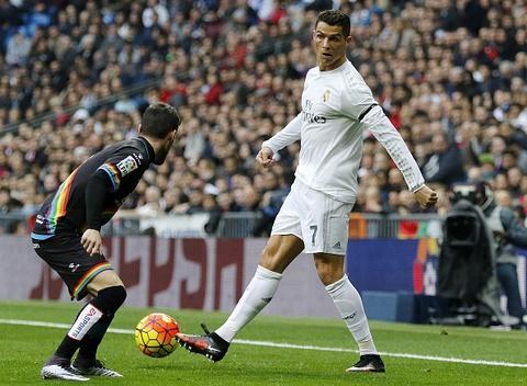 Man trinh dien an tuong cua Ronaldo truoc Rayo Vallecano hinh anh