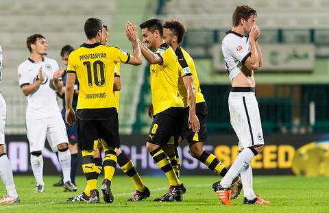 Tong hop tran dau: Dortmund 4-0 Frankfurt hinh anh
