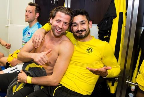 Dortmund gianh quyen vao chung ket cup Lien doan Duc hinh anh