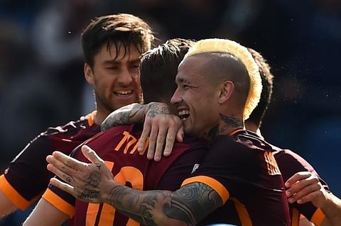 AS Roma giup Juventus vo dich som sau chien thang Napoli hinh anh