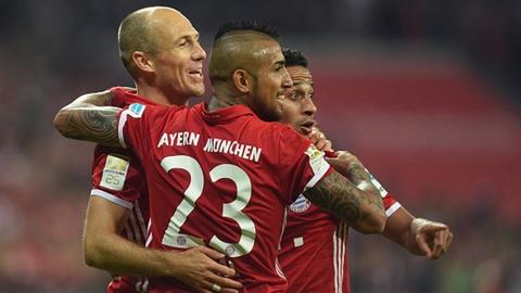 Robben ghi ban giup Bayern tro lai ngoi dau hinh anh