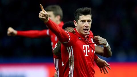 Lewandowski giup Bayern vat va cam hoa Hertha Berlin hinh anh