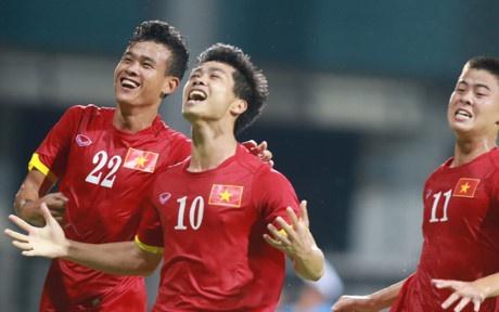 Pha sut phat dang cap cua Cong Phuong vao luoi U23 Malaysia hinh anh