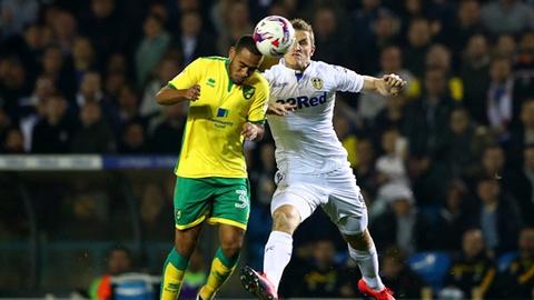 Leeds United lo co hoi len hang sau tran hoa kich tinh hinh anh