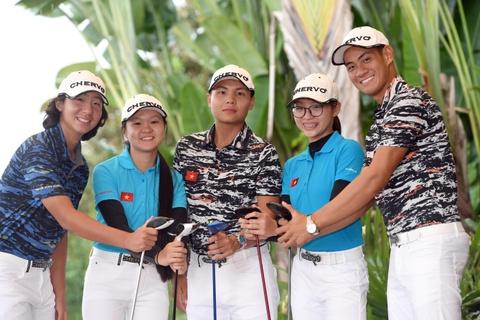 Truong Chi Quan ganh vai dau tau tuyen golf tai SEA Games hinh anh