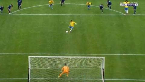 Pha sut hong 11 m cua Neymar truoc Nhat Ban hinh anh