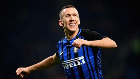 Inter len ngoi dau Serie A sau chien thang 5-0 truoc Chievo hinh anh
