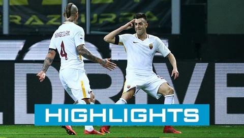 Crotone 0-2 Roma: El Shaarawy, Nainggolan lap cong hinh anh