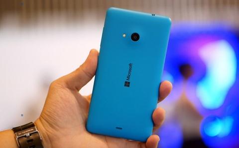 Anh thuc te Lumia 535 2 SIM, chup anh selfie nhom tai VN hinh anh