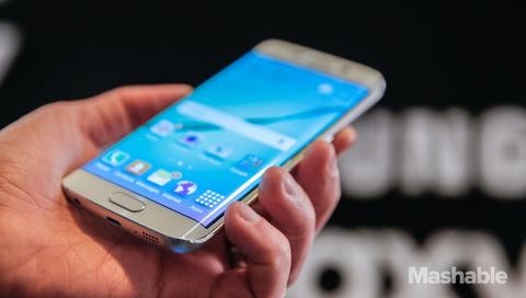 Samsung dang phat trien man hinh dien thoai 11K hinh anh