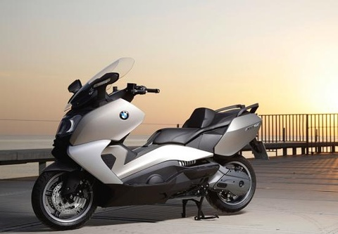Loncin Trung Quoc muon danh BMW san xuat scooter hinh anh