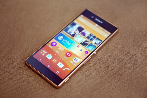 Loat smartphone giam gia trong thang 10 hinh anh