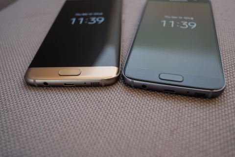 Mo hop Galaxy S7 va S7 edge sap ban o Viet Nam hinh anh 11