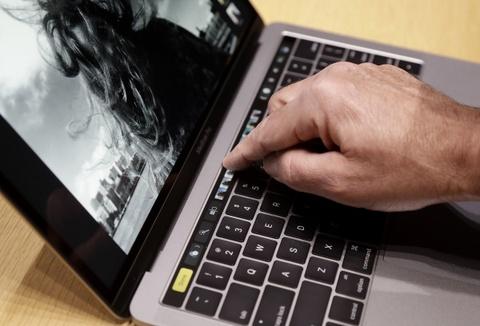 Cai Windows tren Macbook Pro moi se lam hong may hinh anh