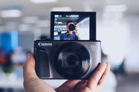 Canon SX730 HS - may anh sieu zoom lam min da khi selfie hinh anh