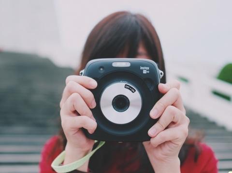 Danh gia Fujifilm Instax Square SQ10: May anh Instagram doi thuc hinh anh