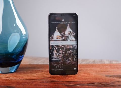 #ZingReview: Danh gia Huawei P20 Pro - da den luc bo may anh o nha? hinh anh 3